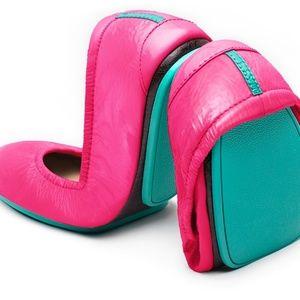 3-hour sale ✨TIEKS look brand new pink size 9